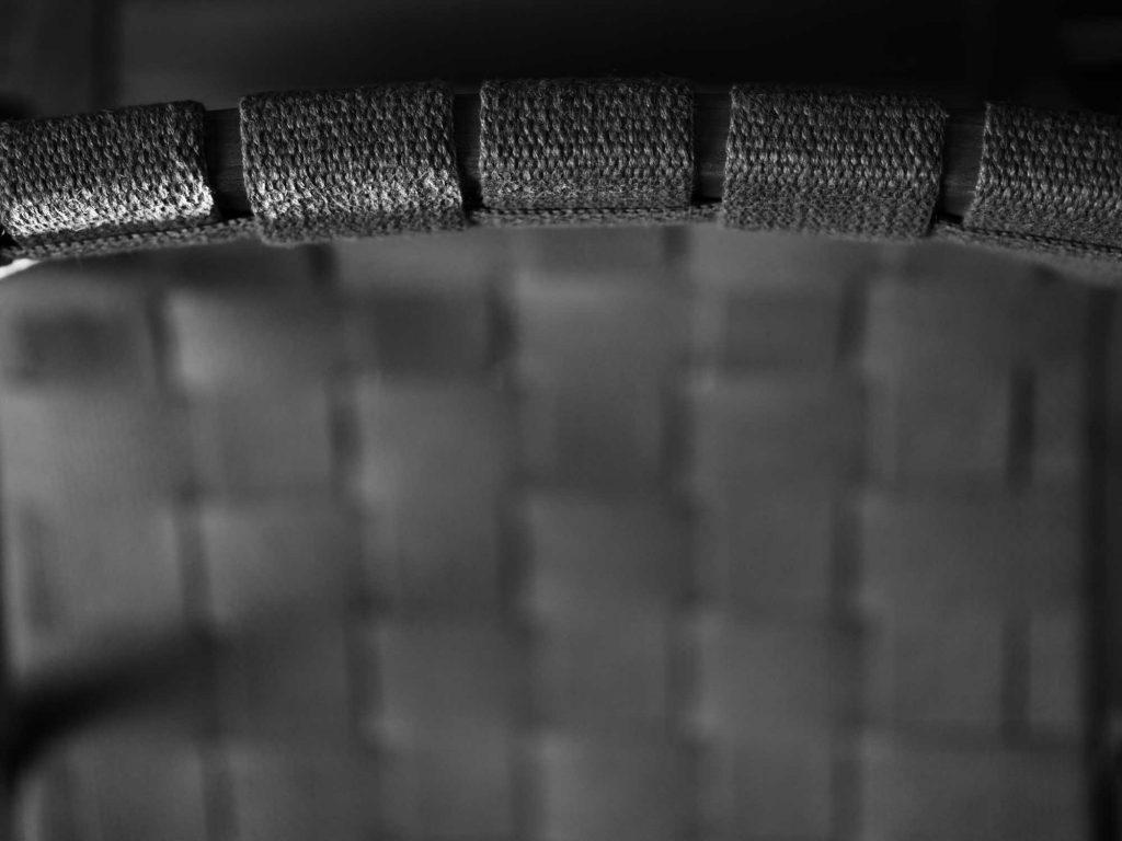 En fåtöljklassiker får nytt liv genom möbelrenovering